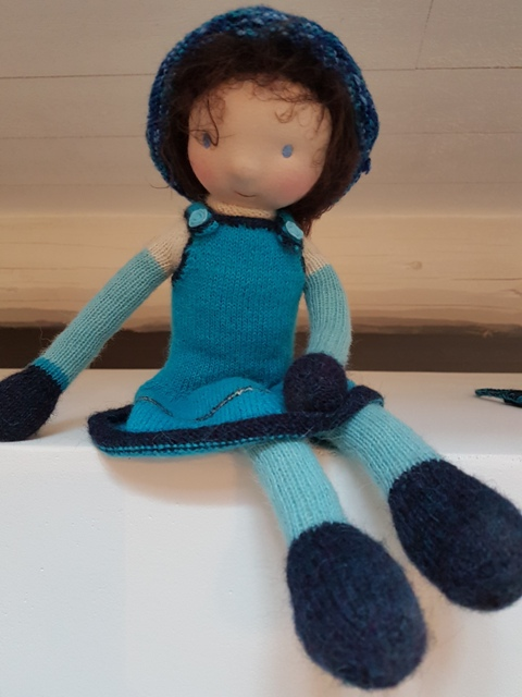 Poupée en laine, artisanale, tricotée main, Petite Louise